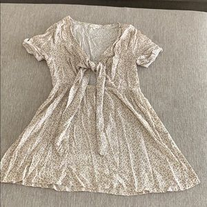 Deep-v floral minidress